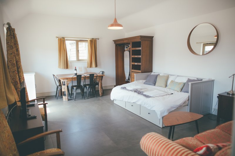Beautiful Cambridgeshire Studio sleeps 2+, casa vacanza a Royston