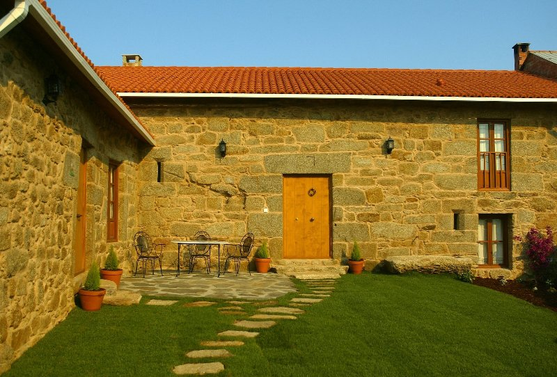 House - 4 Bedrooms with WiFi - 105055, vacation rental in Monfero