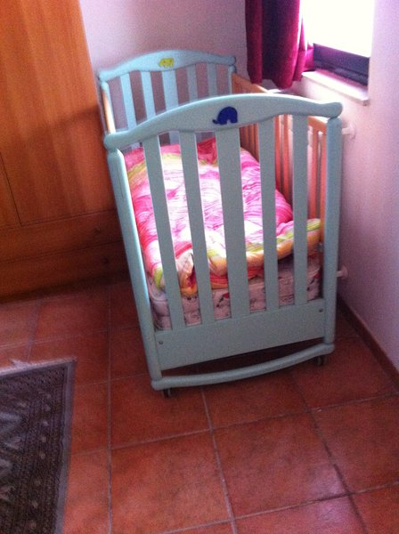 CRADLE FOR YOUR BABY FREE!