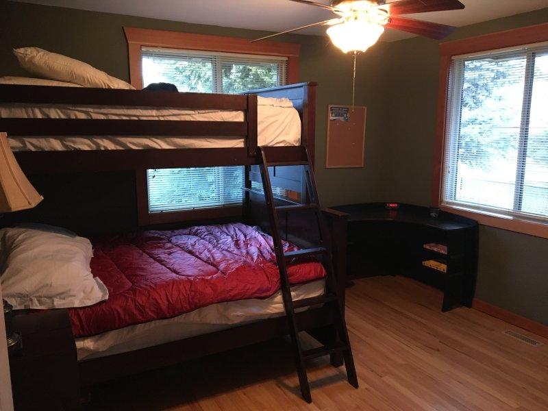 Dormitorio en el nivel superior