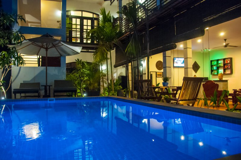 The Fin Inn, Entire Private Boutique House with Pool, location de vacances à Province de Siem Reap