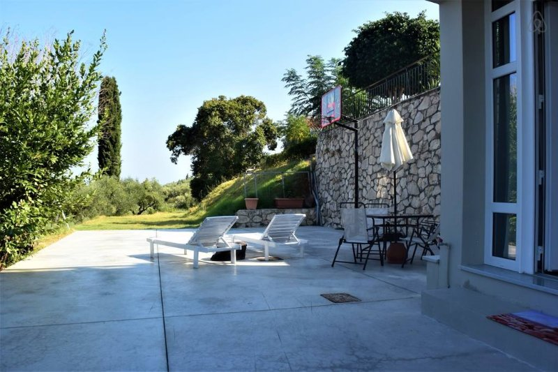 Euphoria Apartment in Bochali, Zakynthos!, vacation rental in Bochali