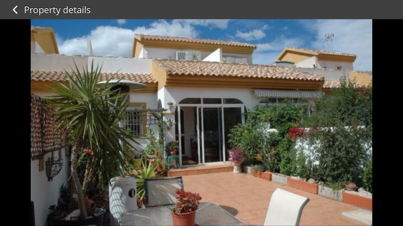 3 bedroom house with large garden and sun terrace