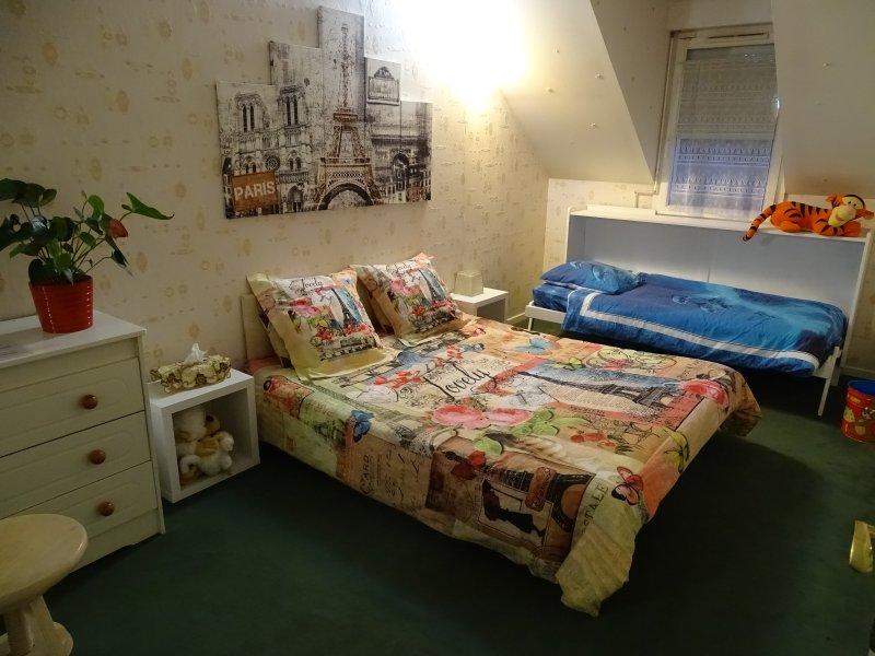 Beige Room, Family Version: 3 people