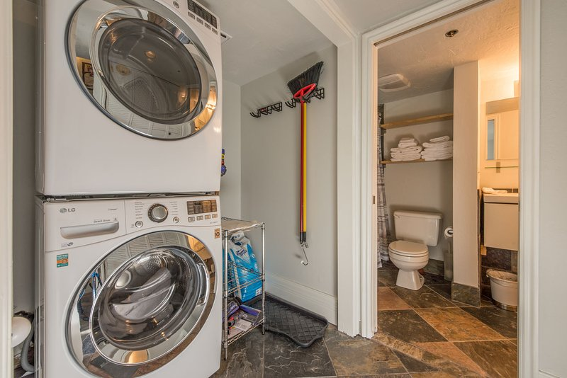 Full Size Front Load Washer/Dryer