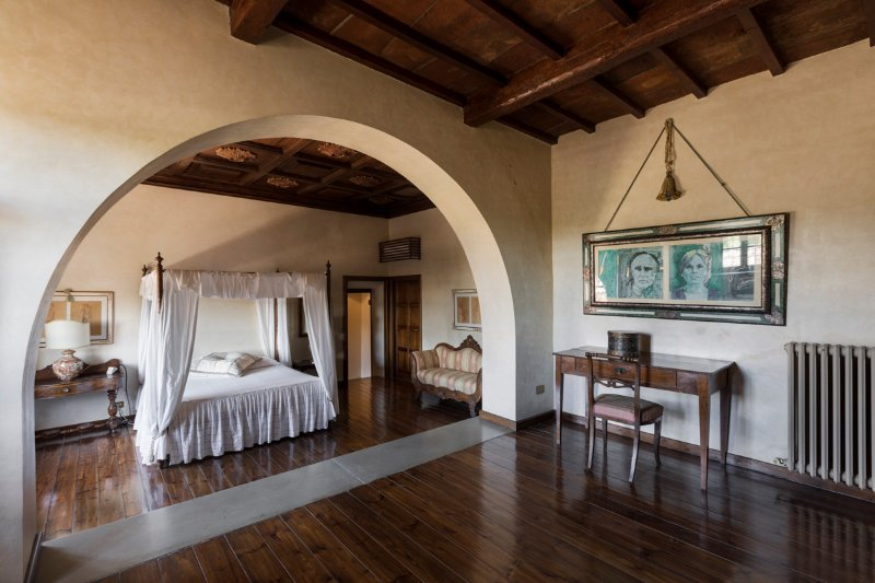 Castello di Montalto Chateau Sleeps 16 with Pool and Air Con - 5506782, casa vacanza a Monastero d'Ombrone