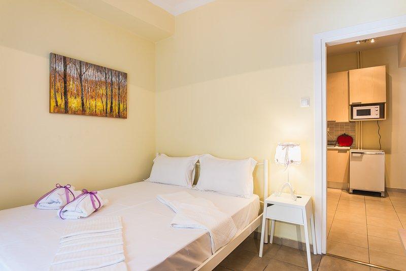 Schönes und bequemes Doppelbett