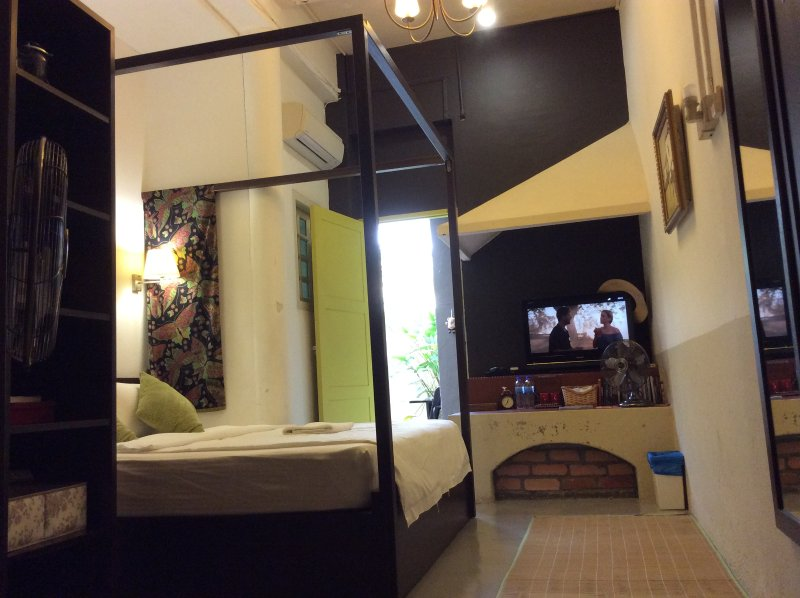 The Cozy suite (43 square meter) comprises two bedrooms at the ground floor with private bathroom.