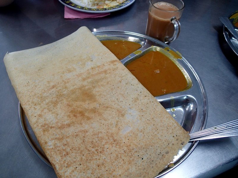 A 24 hrs Nasi Kandar & Roti Canai is just 1-minute walk from the guesthouse.