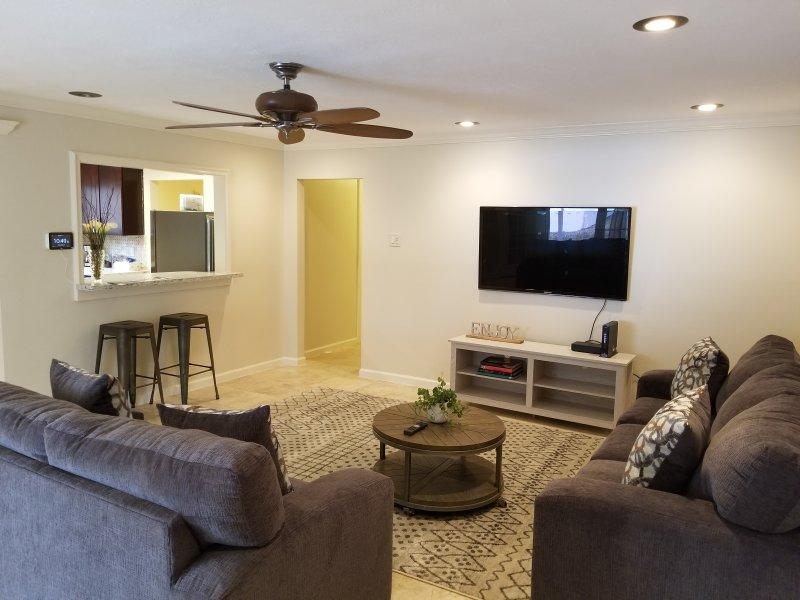 ★Gorgeous Hideout Villa In the heart of Houston★, location de vacances à Missouri City