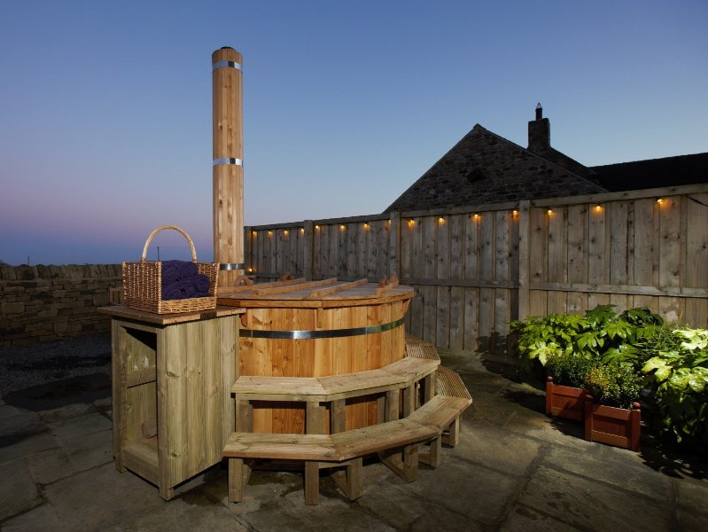 How about a night watching the stars from the hot tub?