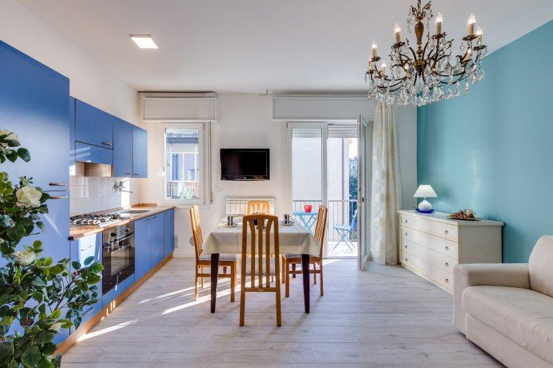 Casa Serenissima bright and centrally located ❤, vacation rental in Oriago di Mira