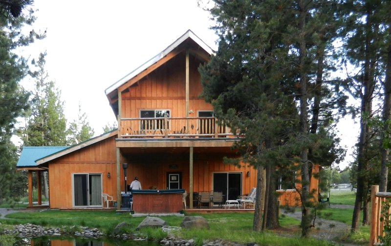 Spacious north facing decks. Propane BBQ and outdoor hot tub.