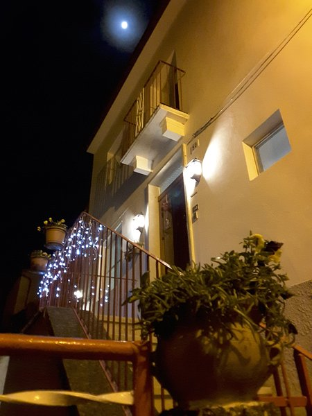 """""""Casa Fermina"""": the façade and the outer entrance staircase"""