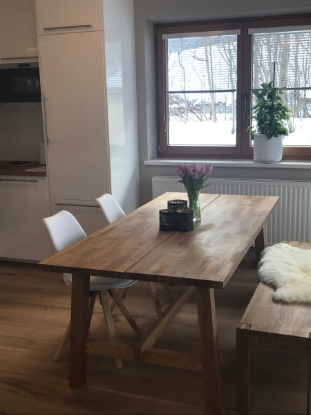 At least 6 dining seats offers a dining table made of solid oak ... with stunning views!