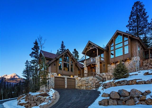New Luxury Custom Home - Amazing Views, Game Room, Ping Pong, Hot Tub, vacation rental in Durango Mountain