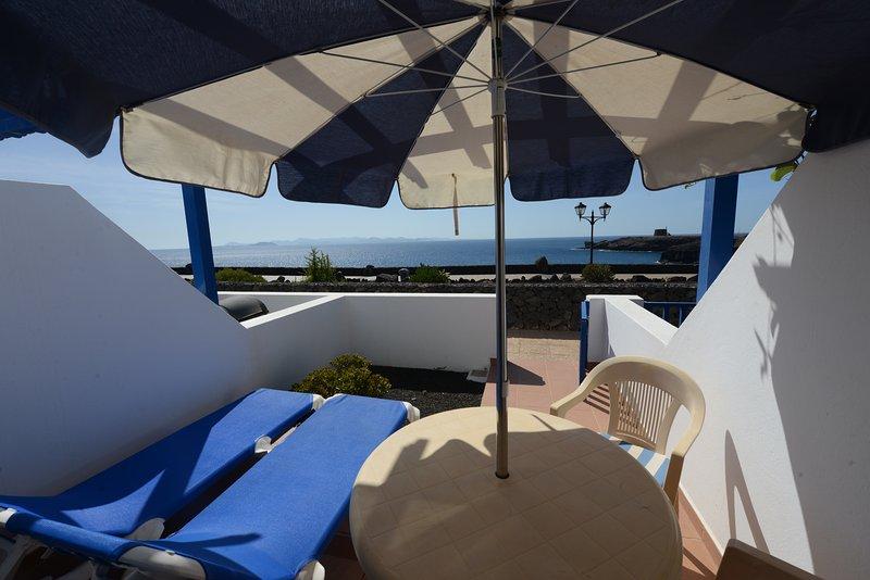 Dúplex 1 dormitorio.Vistas desde la terraza al paseo y al mar.