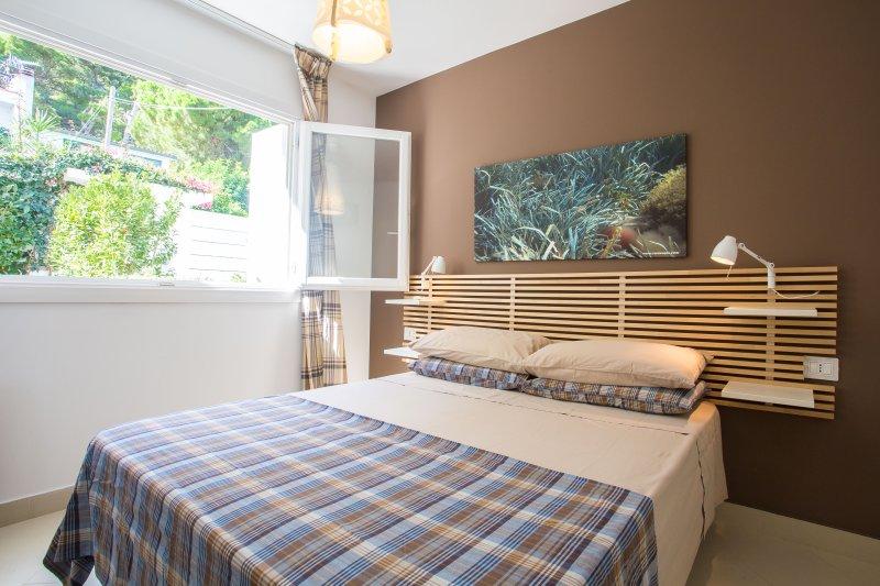 Appartamento con ampio terrazzo vista mare, holiday rental in Alimena