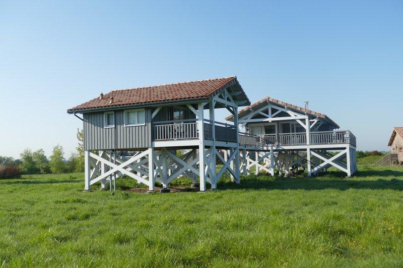 Maisons sur pilotis à la pointe du Médoc, location de vacances à Talais