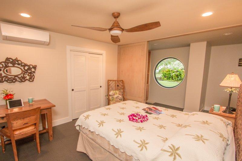 Suite # 3. cama Queen. colchão de alta qualidade e roupa de cama.