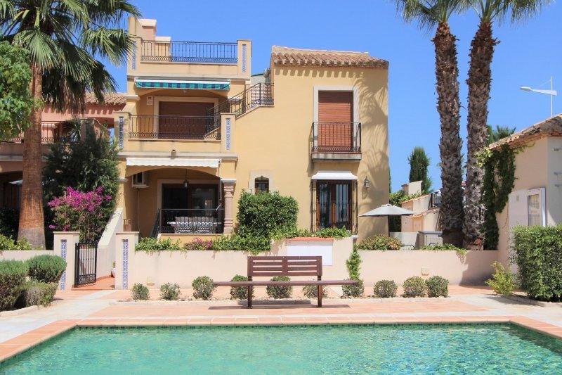 Vue de Casa Estrellas et jardin privé de la petite piscine