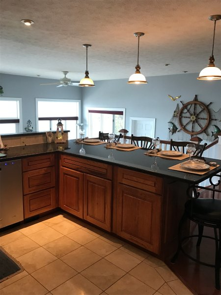 Kitchen counter eating area