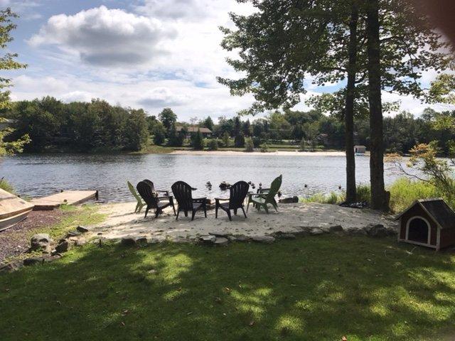 acceso al lago privado con playa y hoguera