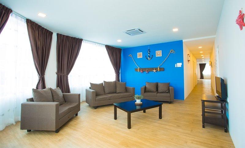 Hard Rock VIP Guest House - 5 Bedroom Apt Ocean Themed, holiday rental in Mersing District