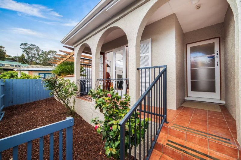 ★2 ROOMS★2 QUEEN BEDS★PRIVATE BATHROOM★20min to CBD★Sleeps 4★Free 1st breakfast★, holiday rental in Lynfield