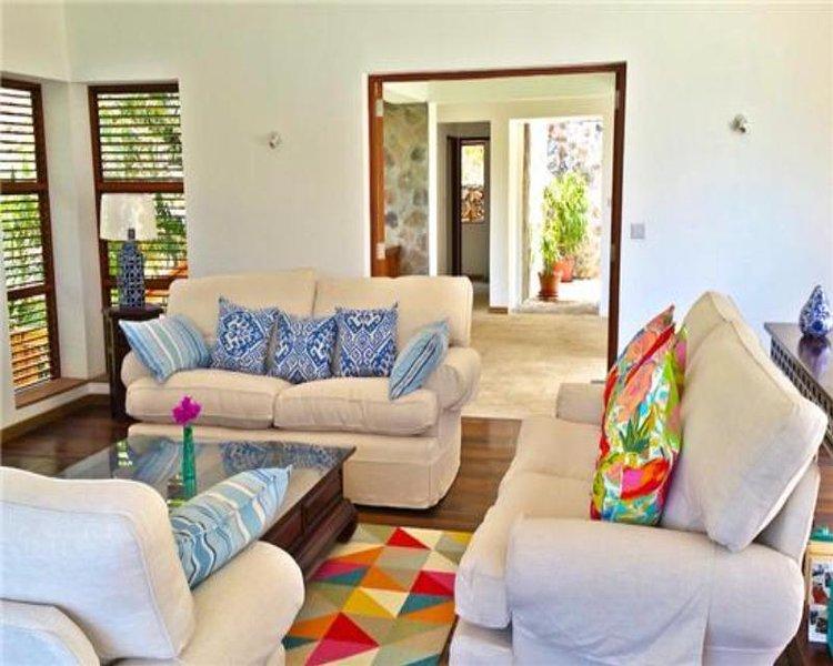 The Beach House - Crescent Beach - Bequia