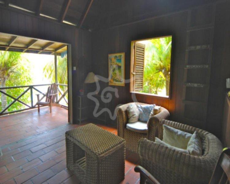 Kingston Beach House - Bequia