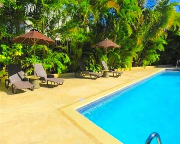 Brownes Ground Floor 2 Bed/2 Bath Condo - Barbados