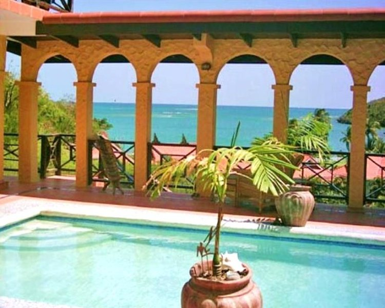Turtle paviljongen FÖR 2- Grenada