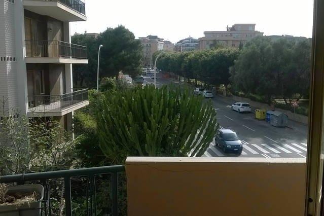 Nice apartment with balcony & Wifi, location de vacances à Pirri