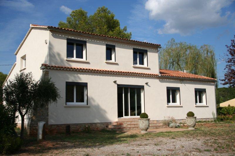 APPARTEMENT T4 loubiere, location de vacances à Gonfaron