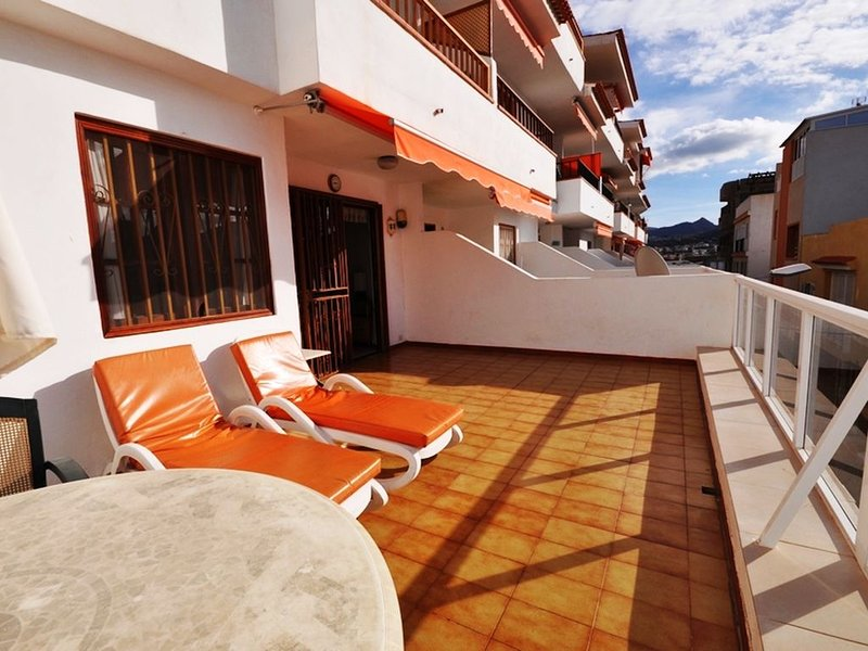 Perfect location ,fabulous sunny terrace with sea  views