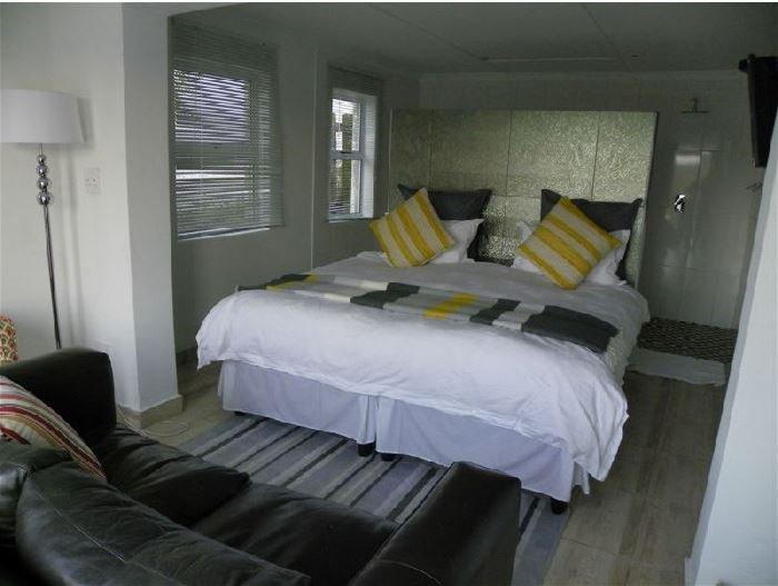 Blue's Guest House: Room 4, location de vacances à Gonubie