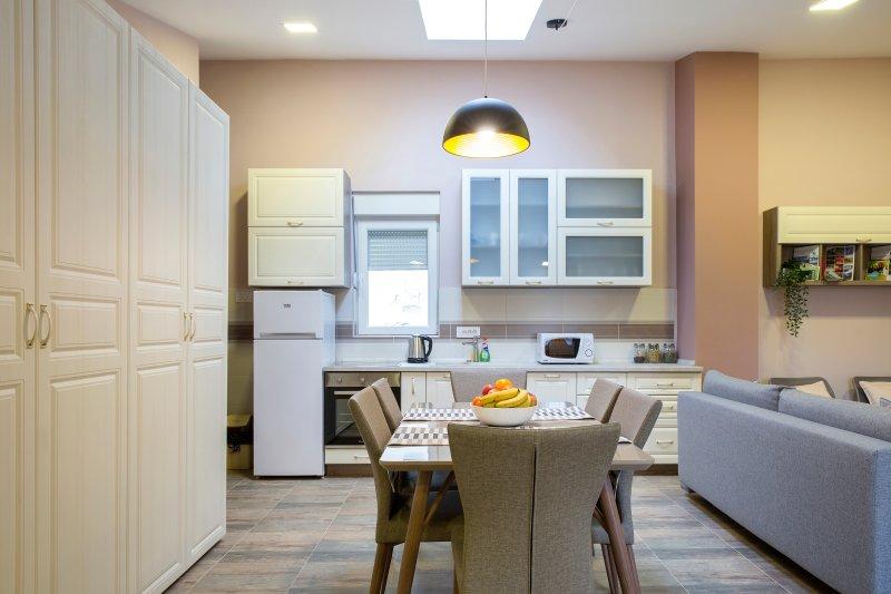 Salle à manger et une cuisine