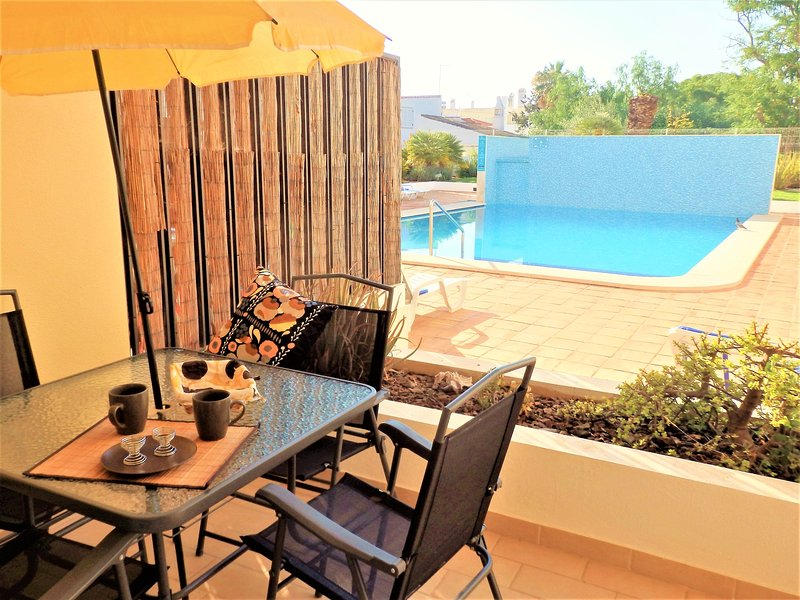 Coral, Cabanas Beach Licensed Apartment BY RCC Holidays, vacation rental in Tavira