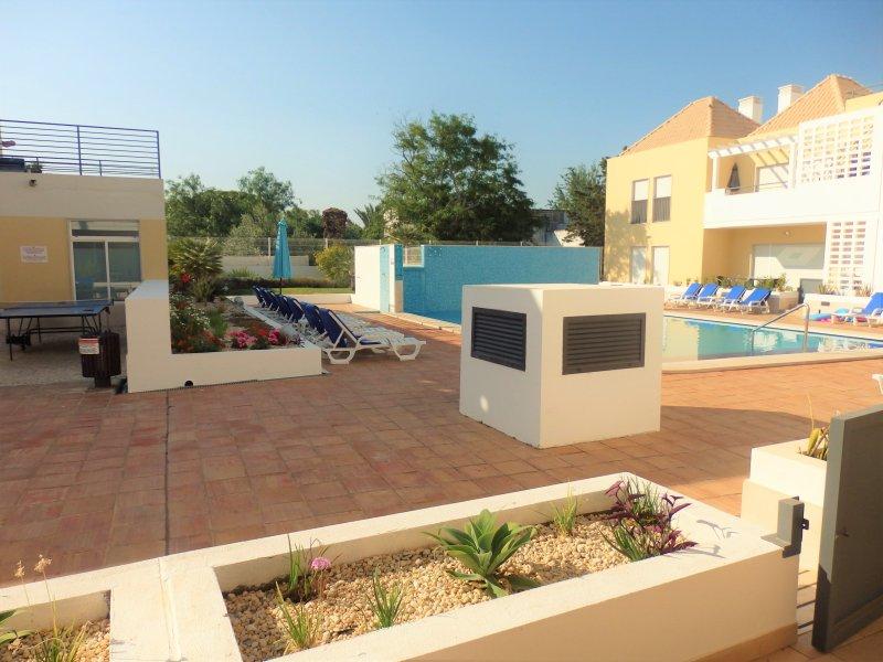 Vista do terraço Flamingo, acesso directo à piscina.