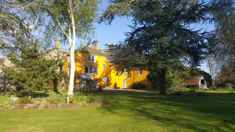 The Studio at Old Lathrisk- a beautiful self catering apartment for 2 people, holiday rental in Ladybank