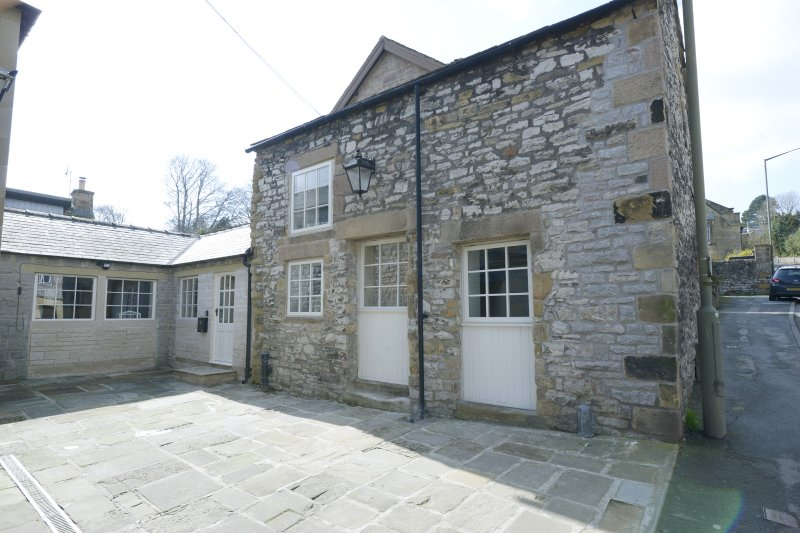 Cosy, Contemporary Cottage in Bakewell, location de vacances à Baslow
