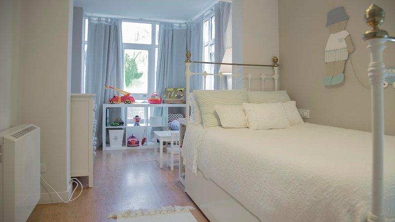 Apartamento Ideal para 2 adultos y 2 niños, vakantiewoning in Oroso
