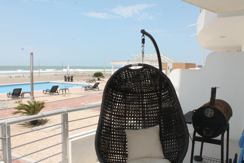 Nice apartment with amazing beach-view, holiday rental in Playas