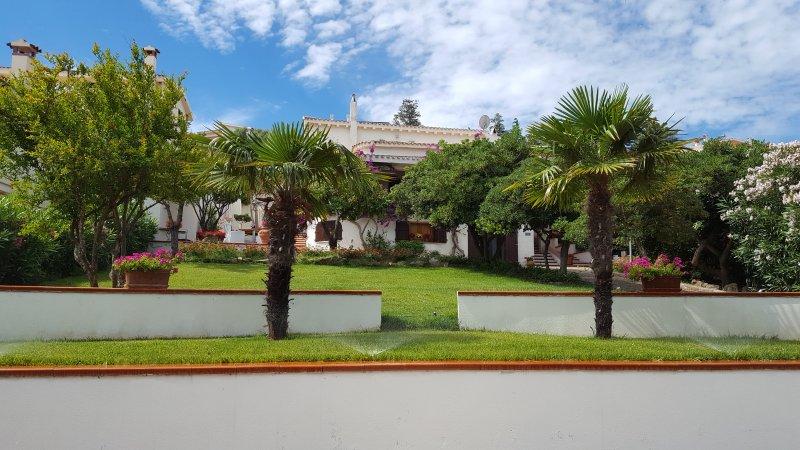 VILLA MERCEDES, vacation rental in La Caletta