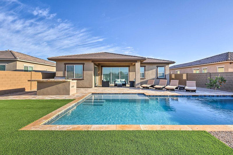 Gorgeous Litchfield Oasis w/Grill ~6Mi to Luke AFB, vacation rental in Litchfield Park