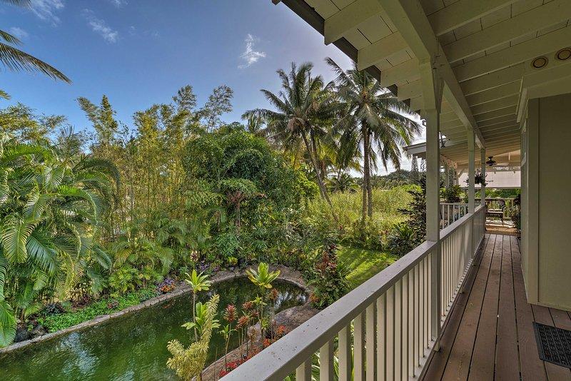 Votre paradis tropical parfait vous attend dans cette 2 chambres, 2 salles de bains vacances maison de location à Pahoa!
