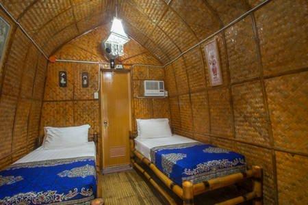 Balinese hut twin room (Room 6)