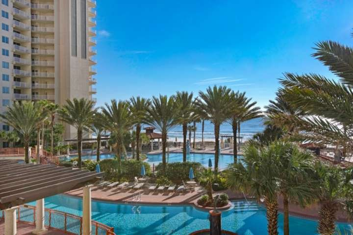 Beautiful View of the Lagoon Pool and Gulf of Mexico. Hot Tub! Indoor Pool and no amenity fees! 3rd Floor!!
