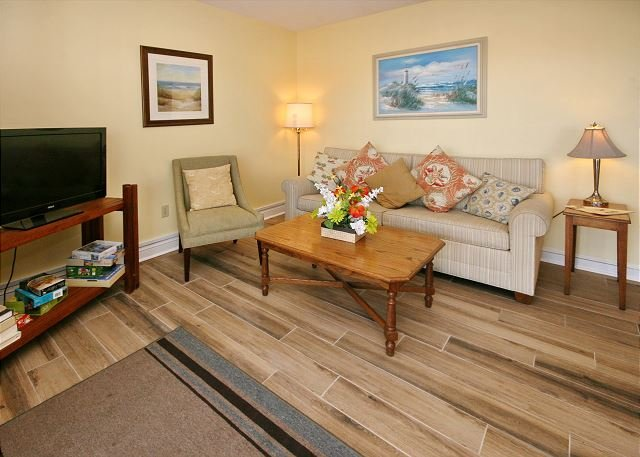 Myrtle Beach Resort B527 | Charming Condo with Full Kitchen & Indoor pool, holiday rental in Socastee